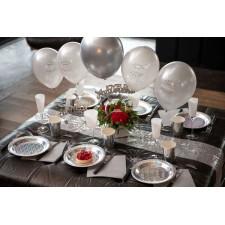 Décoration de table d'anniversaire couleur argent