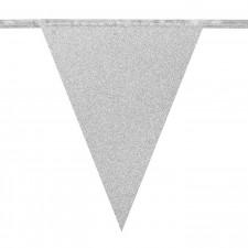 Fanion argenté d'une guirlande pour décoration